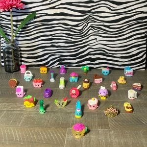 😲‼️ Shopkins‼️ Bundle of 30 pcs.